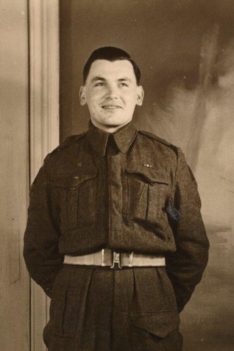 bowers_carl_1945_overseas_b